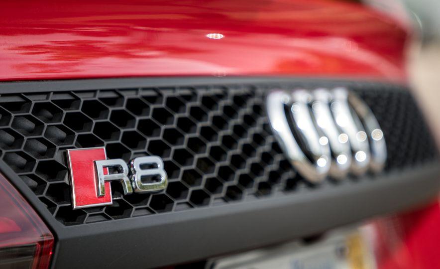 2017 Audi R8 Spyder - Slide 17