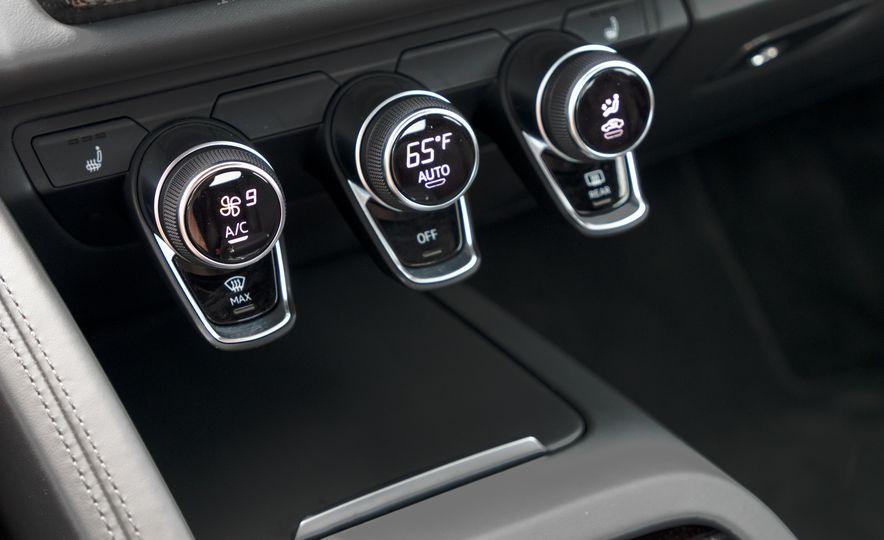 2017 Audi R8 Spyder - Slide 20
