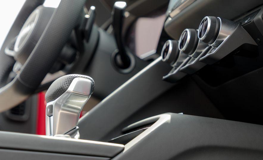2017 Audi R8 Spyder - Slide 21