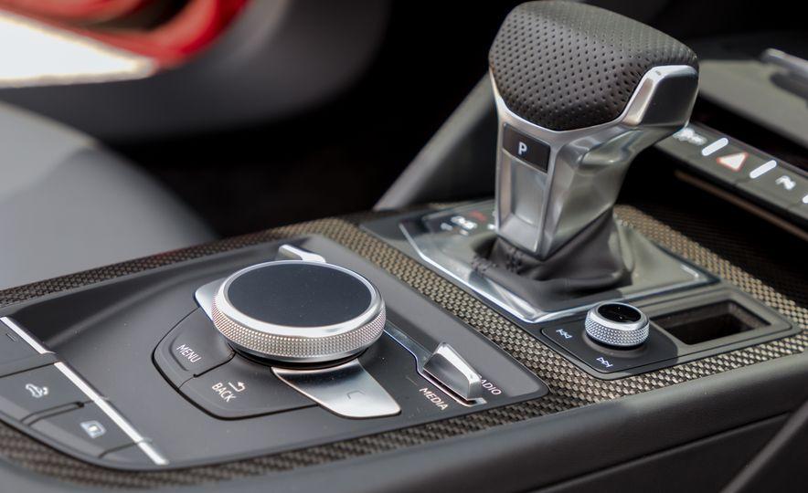 2017 Audi R8 Spyder - Slide 22