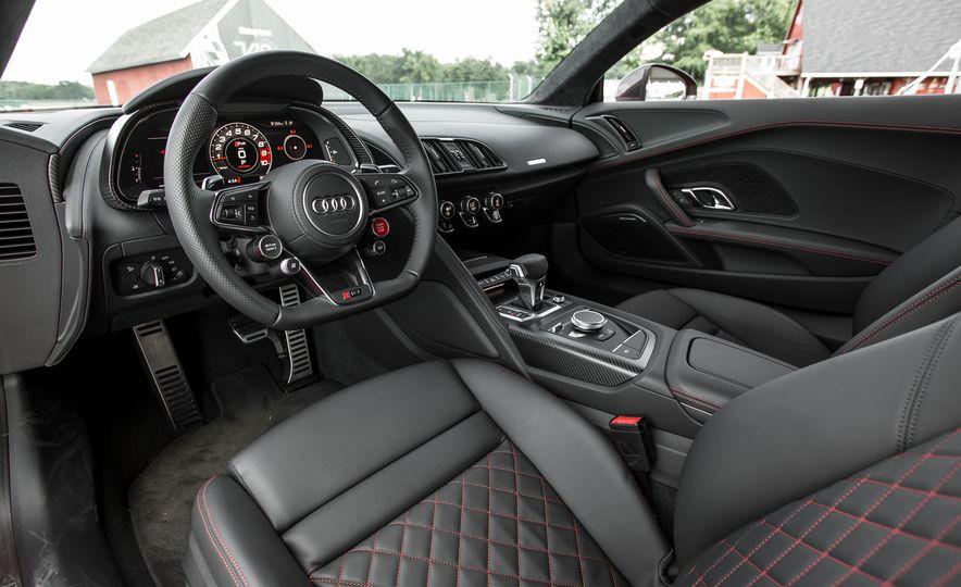 2017 Audi R8 Spyder - Slide 31