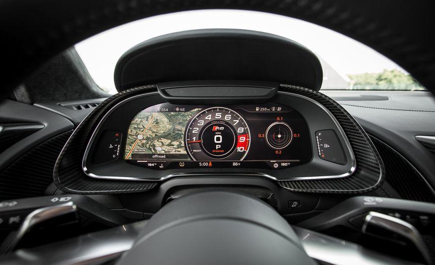 2017 Audi R8 Spyder - Slide 32
