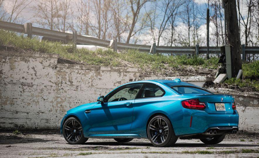 2016 BMW M2 - Slide 11
