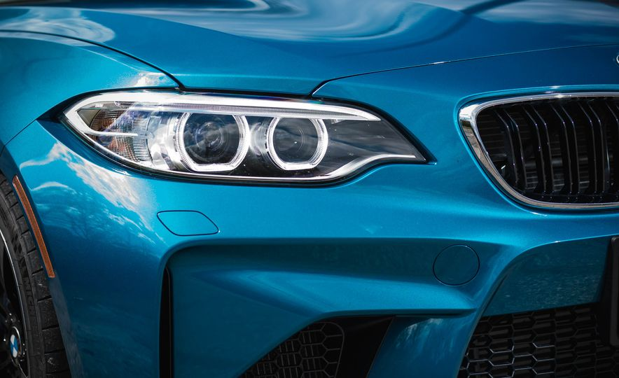 2016 BMW M2 - Slide 15