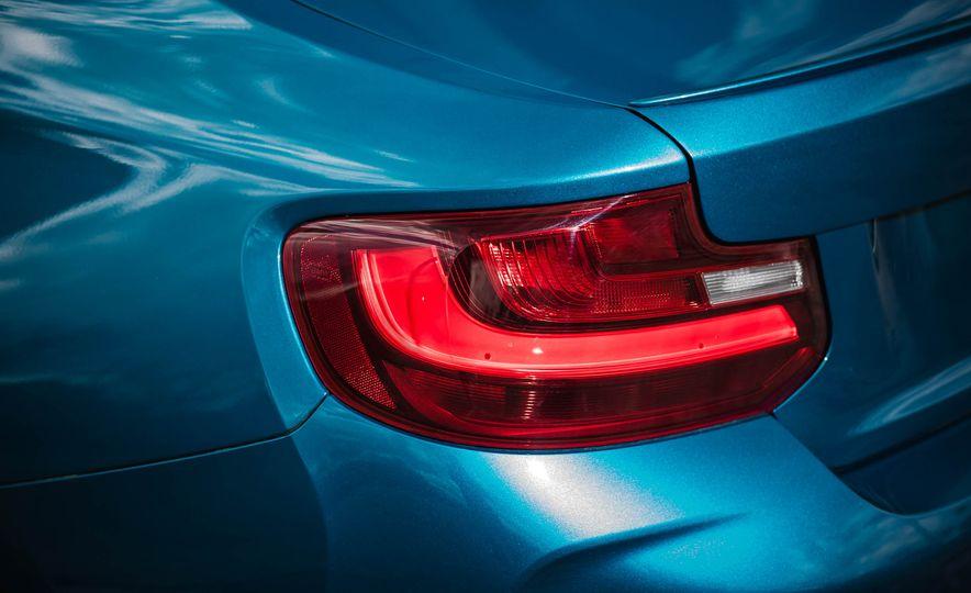 2016 BMW M2 - Slide 19
