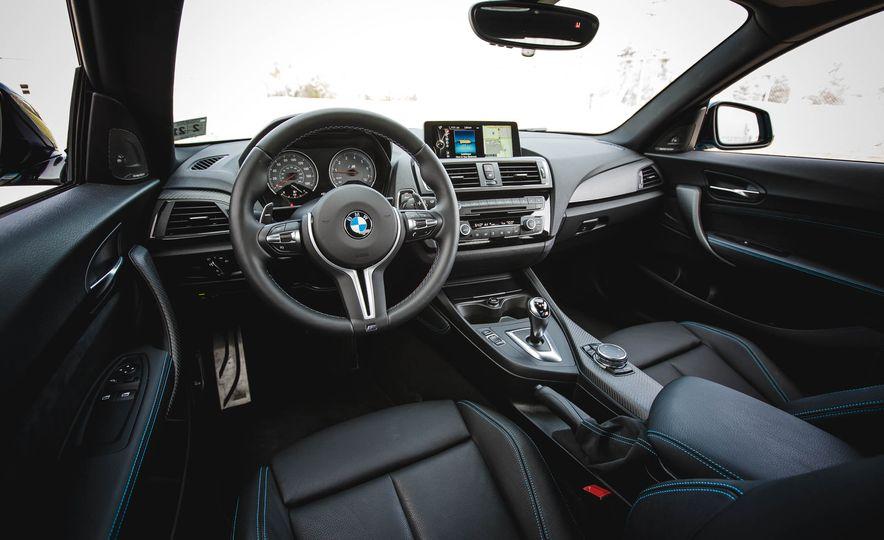 2016 BMW M2 - Slide 25