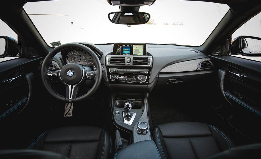 2016 BMW M2 - Slide 26