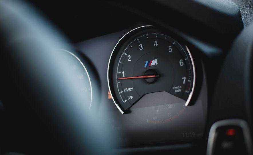 2016 BMW M2 - Slide 32