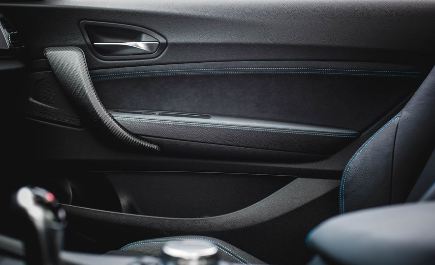 2016 BMW M2 - Slide 38