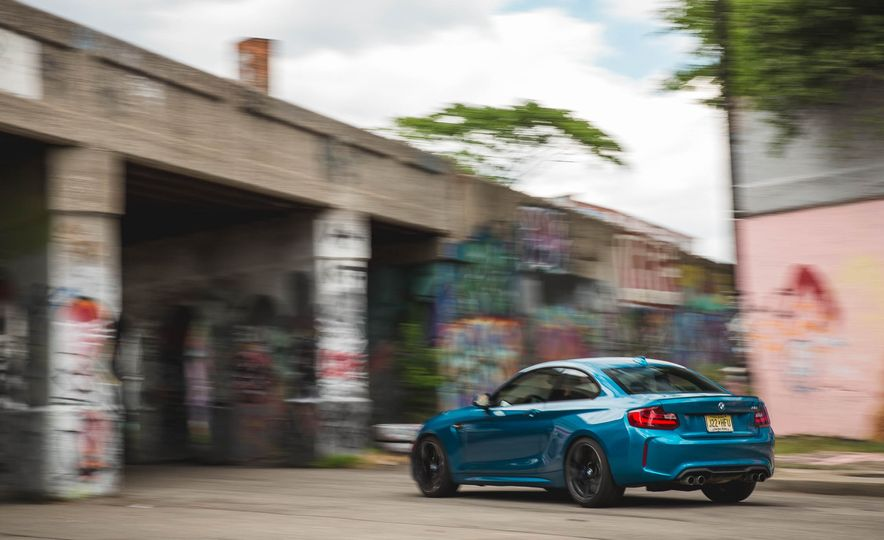 2016 BMW M2 - Slide 58