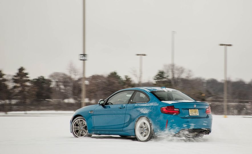 2016 BMW M2 - Slide 77
