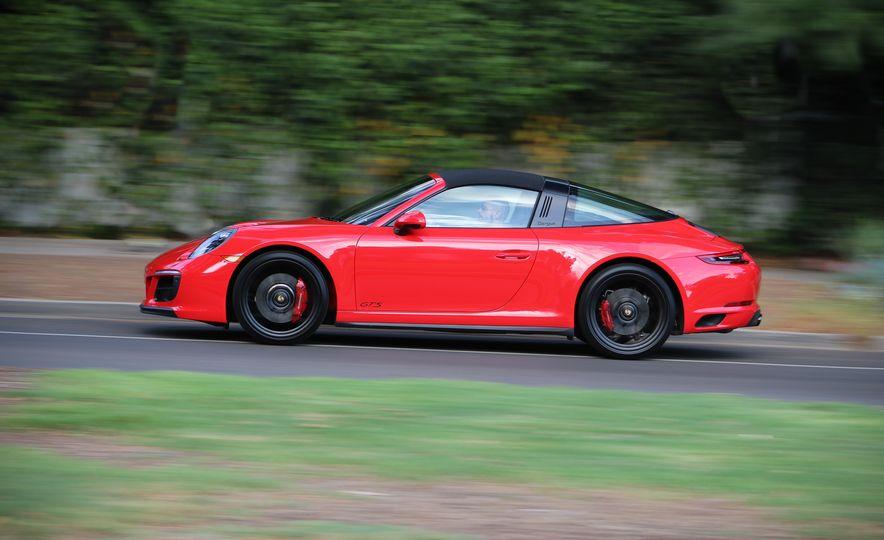 2017 Porsche 911 Targa GTS PDK - Slide 10