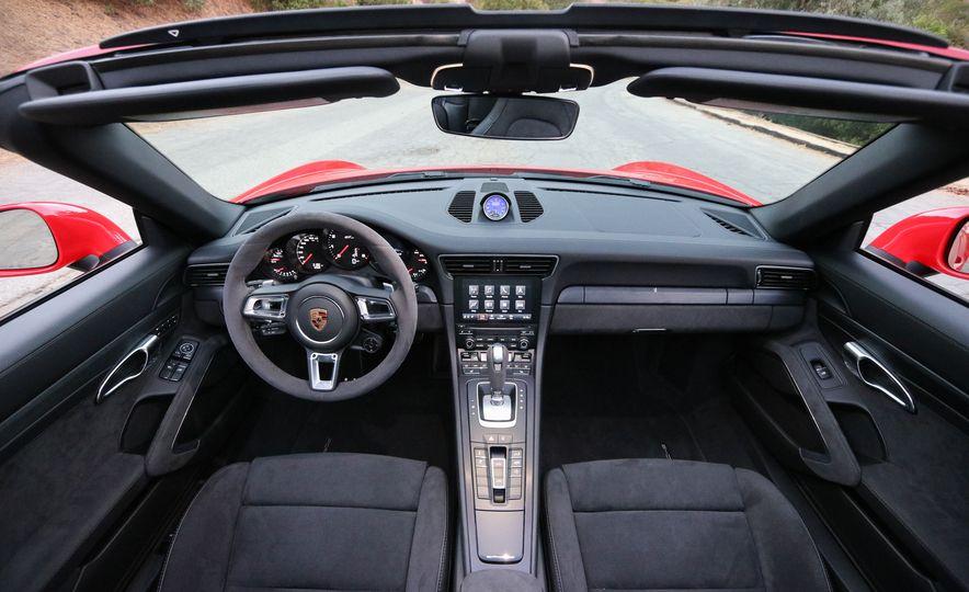 2017 Porsche 911 Targa GTS PDK - Slide 38