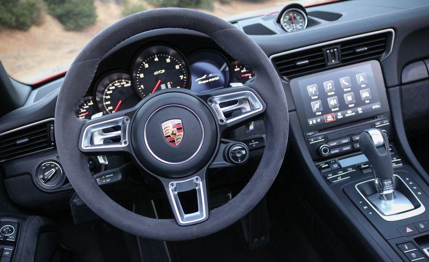 2017 Porsche 911 Targa GTS PDK - Slide 40
