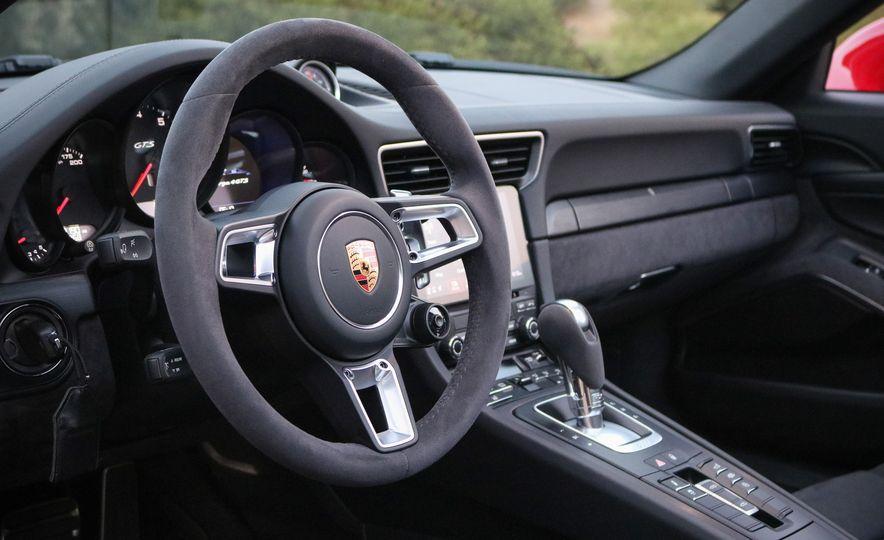 2017 Porsche 911 Targa GTS PDK - Slide 44