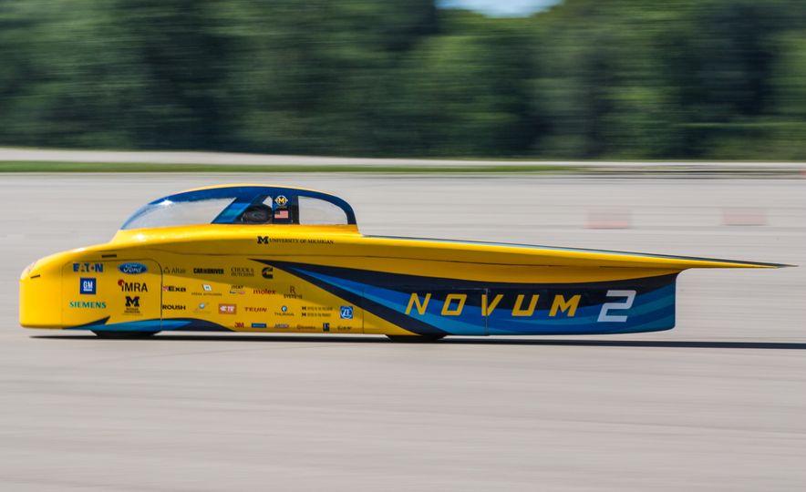 2017 University of Michigan Novum Solar Car - Slide 2
