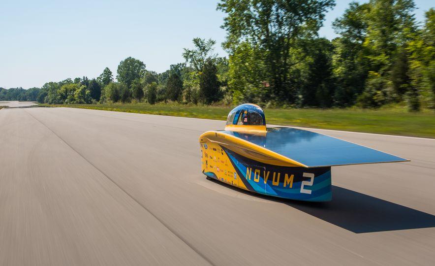 2017 University of Michigan Novum Solar Car - Slide 4