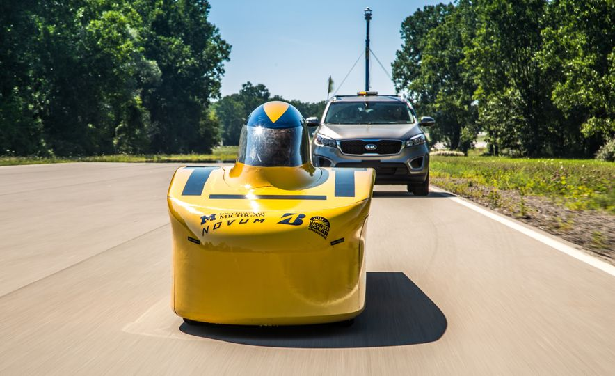 2017 University of Michigan Novum Solar Car - Slide 6