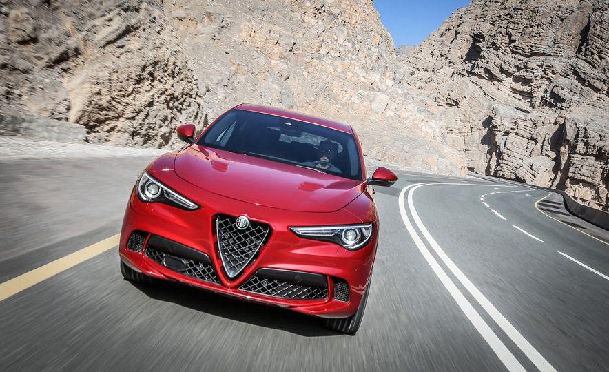 2018 Alfa Romeo Stelvio Quadrifoglio - Slide 2