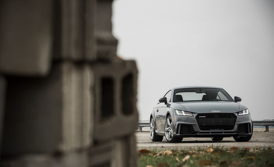 2018 Audi TT RS - Slide 12