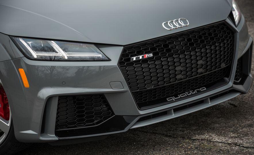 2018 Audi TT RS - Slide 17