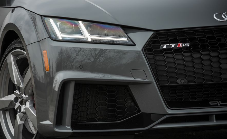 2018 Audi TT RS - Slide 18
