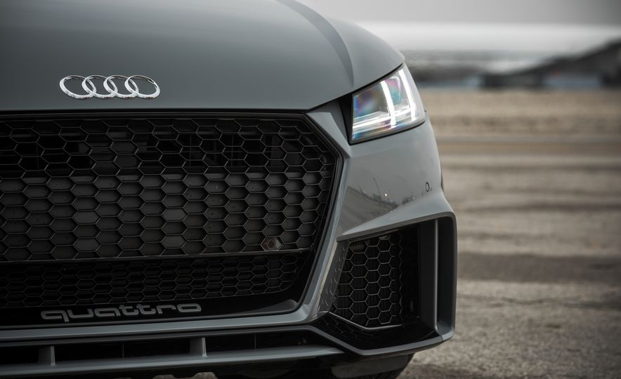 2018 Audi TT RS - Slide 19