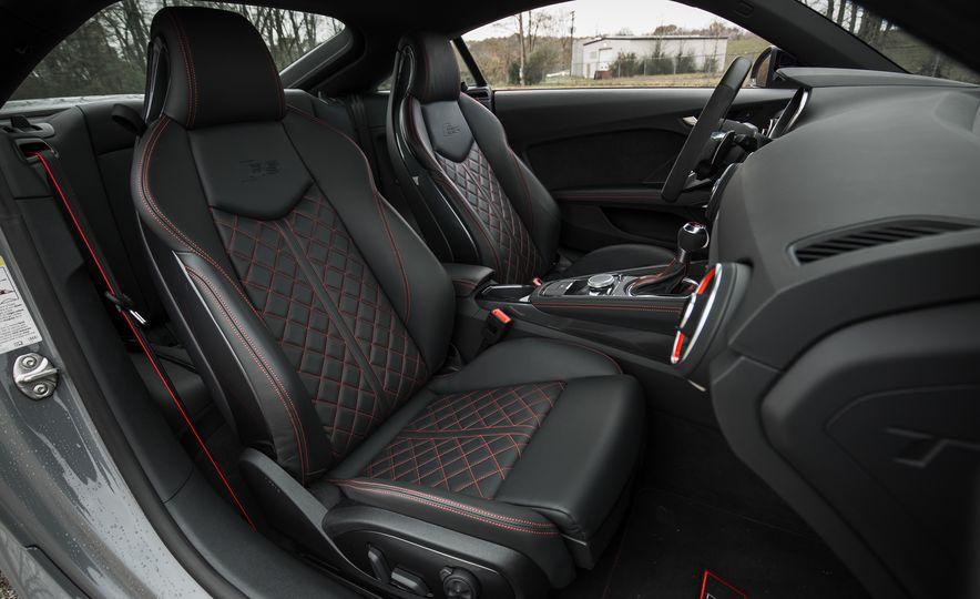 2018 Audi TT RS - Slide 37