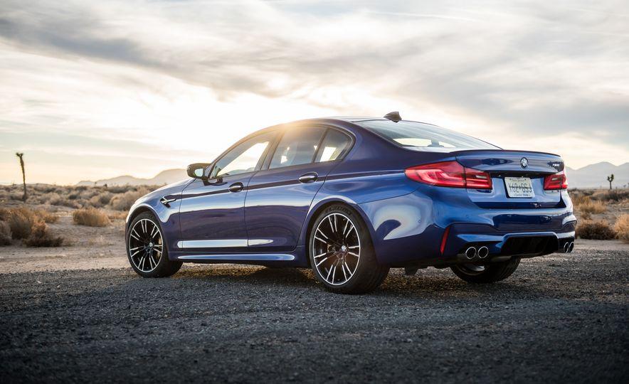 2018 BMW M5 - Slide 4