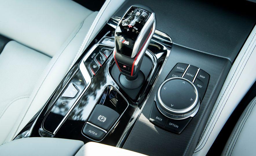 2018 BMW M5 - Slide 11