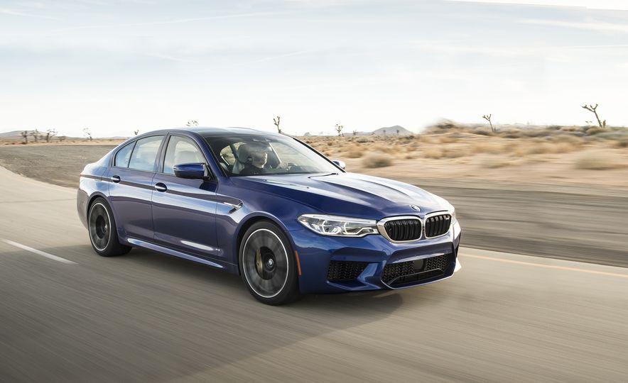 2018 BMW M5 - Slide 1