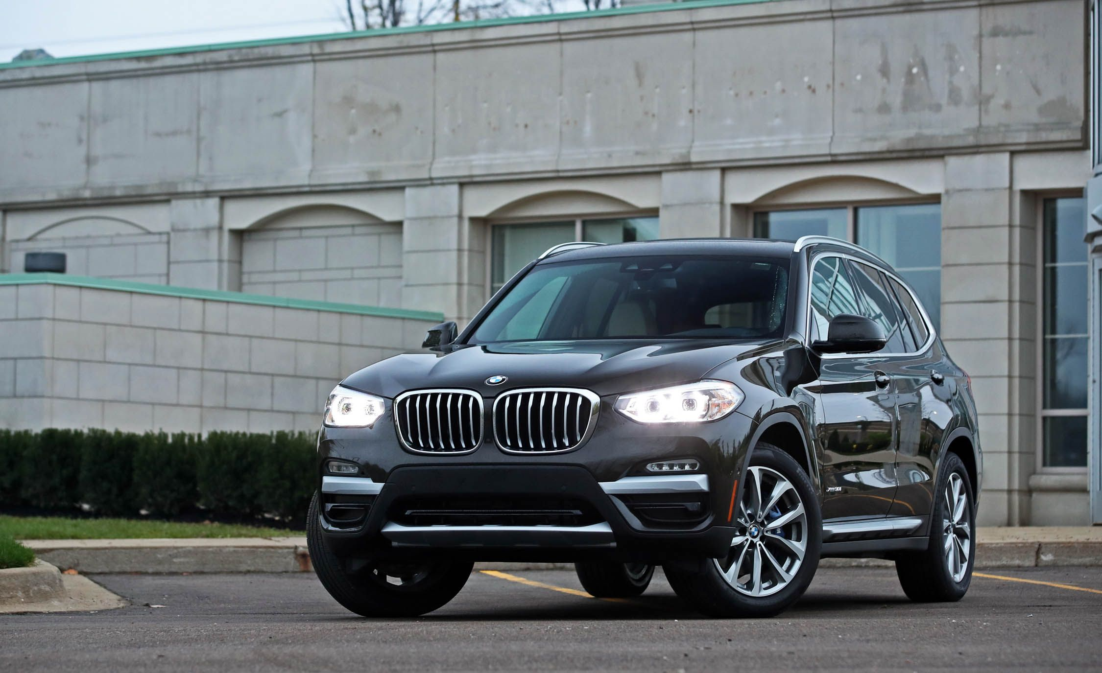 2019 Bmw X3 Reviews Bmw X3 Price Photos And Specs Car And Driver