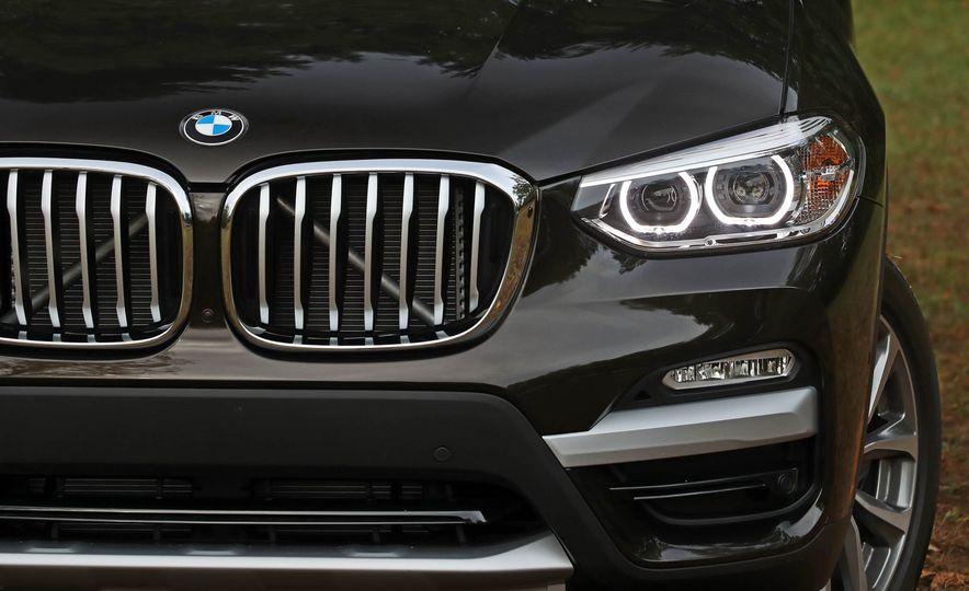 2018 BMW X3 30i xDrive - Slide 24