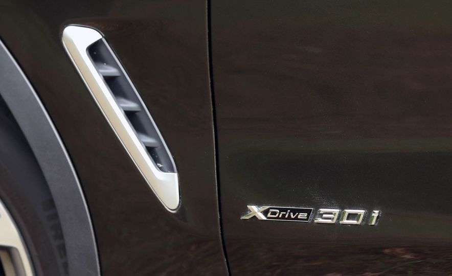 2018 BMW X3 30i xDrive - Slide 29