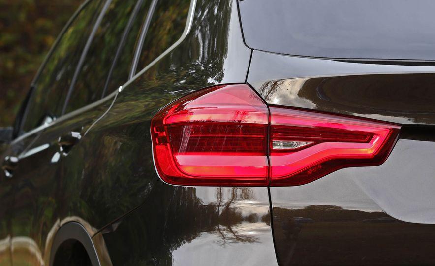 2018 BMW X3 30i xDrive - Slide 30