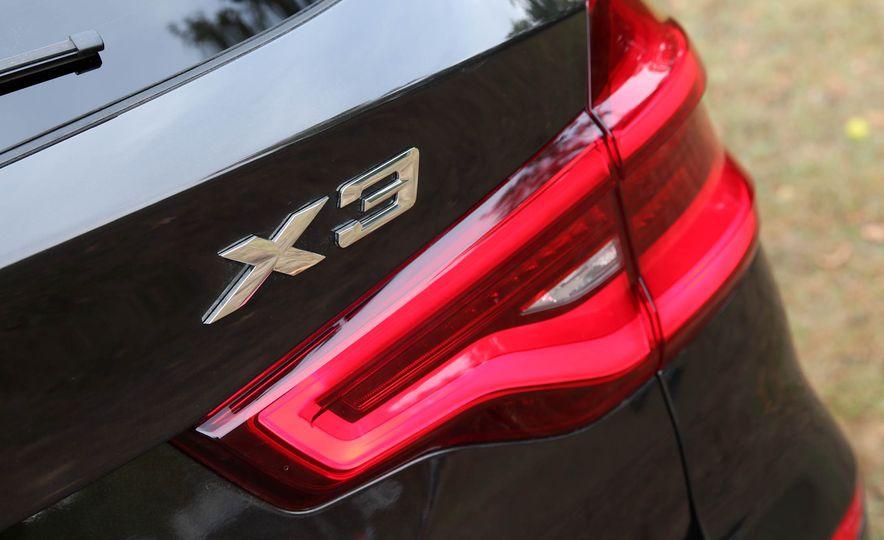 2018 BMW X3 30i xDrive - Slide 33