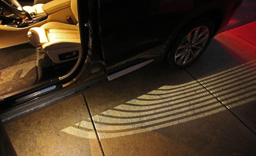2018 BMW X3 30i xDrive - Slide 37