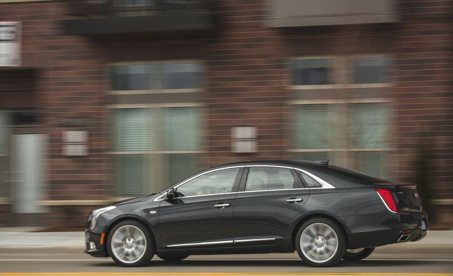 2018 Cadillac XTS V-Sport AWD - Slide 6