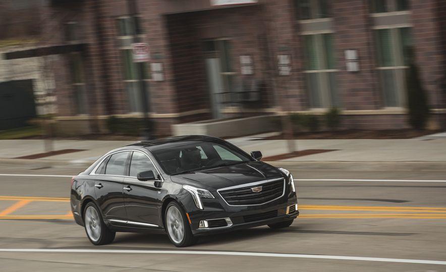 2018 Cadillac XTS V-Sport AWD - Slide 10