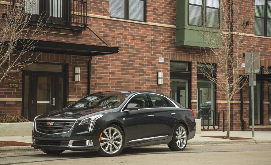 2018 Cadillac XTS V-Sport AWD - Slide 14