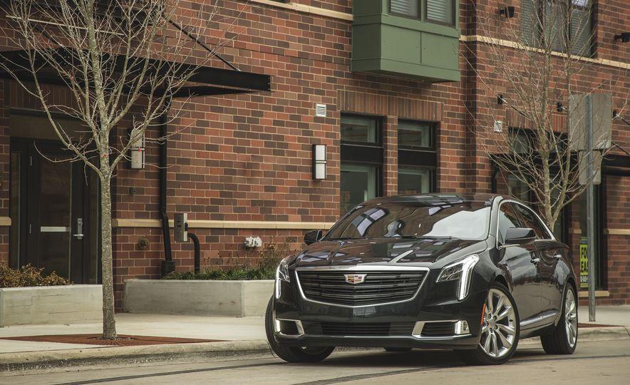2018 Cadillac XTS V-Sport AWD - Slide 15