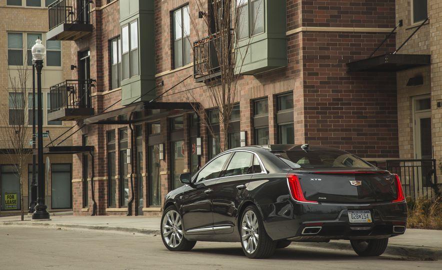 2018 Cadillac XTS V-Sport AWD - Slide 17