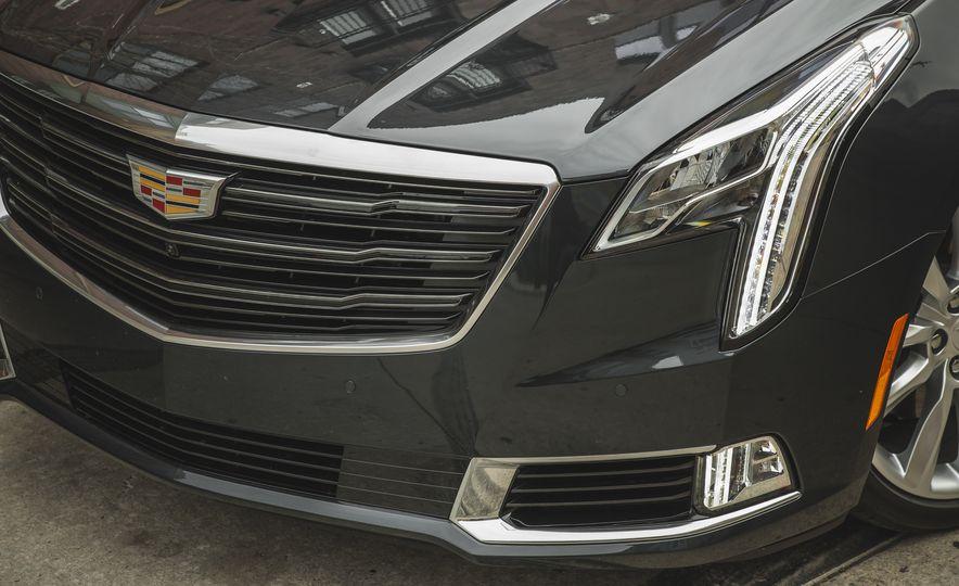2018 Cadillac XTS V-Sport AWD - Slide 19