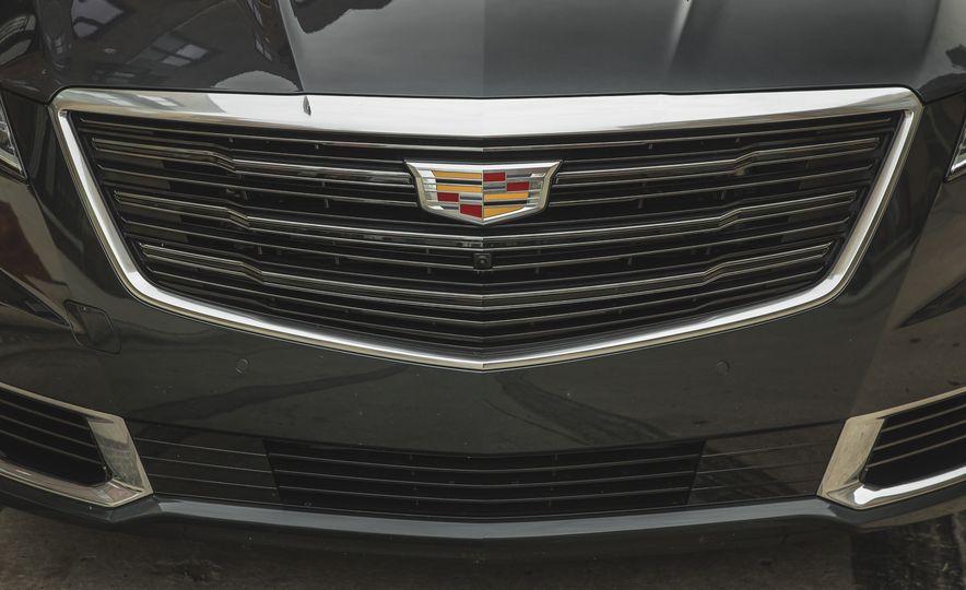 2018 Cadillac XTS V-Sport AWD - Slide 20