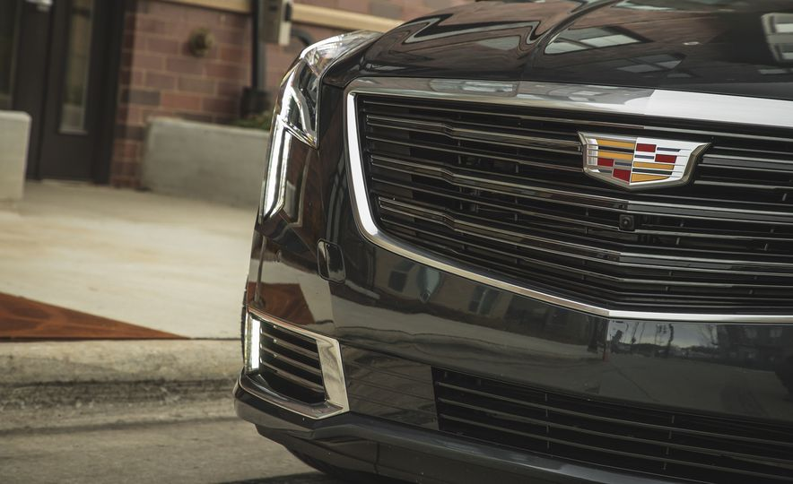 2018 Cadillac XTS V-Sport AWD - Slide 21
