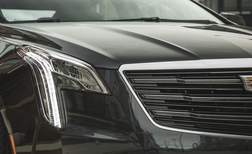 2018 Cadillac XTS V-Sport AWD - Slide 22