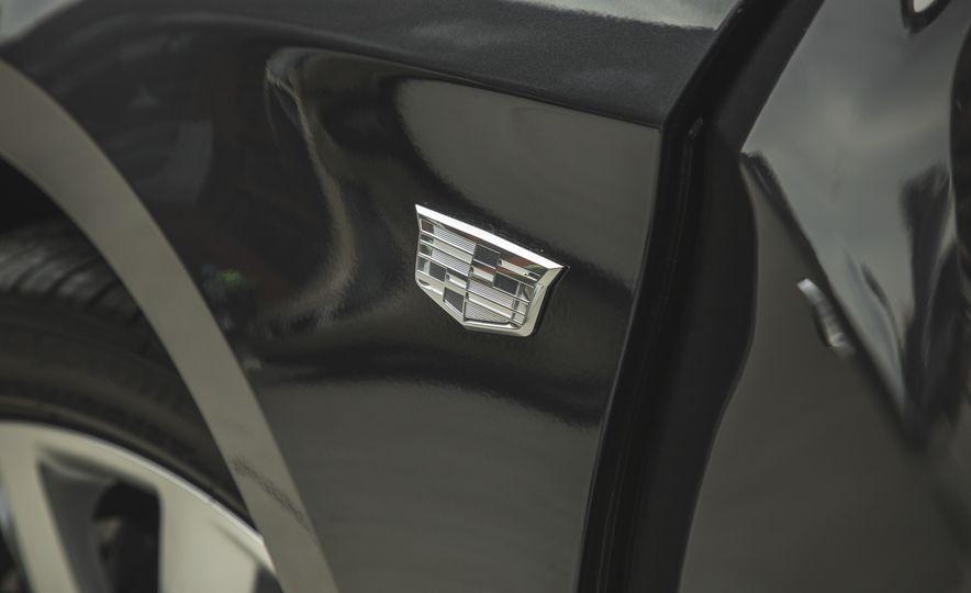 2018 Cadillac XTS V-Sport AWD - Slide 24