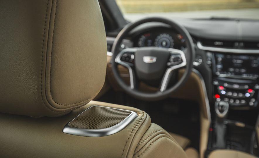 2018 Cadillac XTS V-Sport AWD - Slide 30