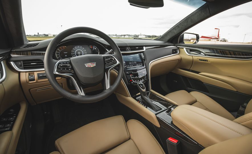 2018 Cadillac XTS V-Sport AWD - Slide 31