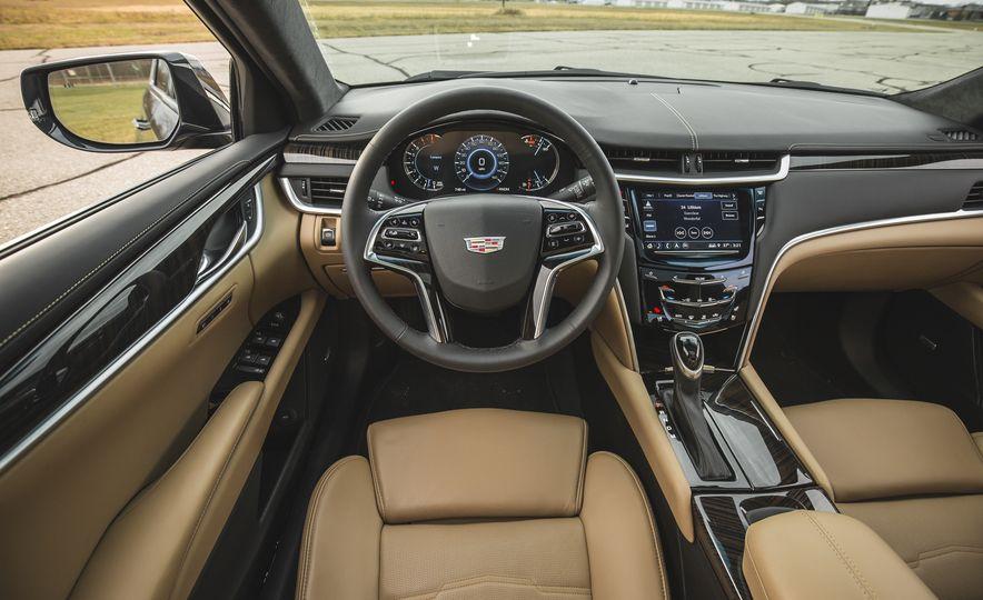 2018 Cadillac XTS V-Sport AWD - Slide 32